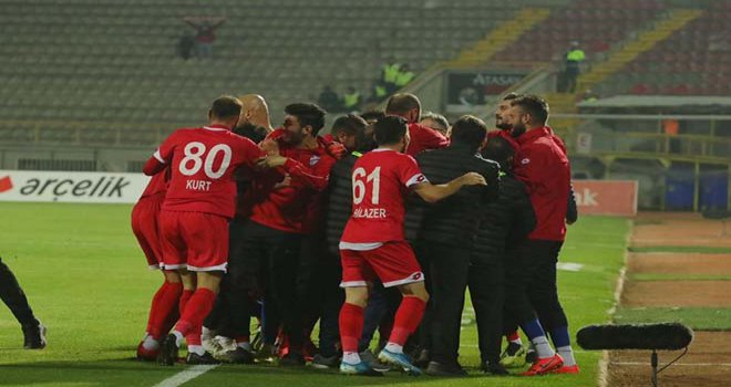 3 puanı 3 golle aldık…..