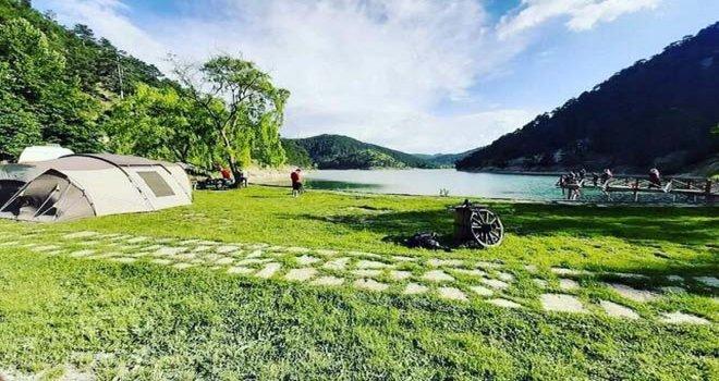 Ankaralı motorcular Sünnet Gölü'ne kamp kurdu