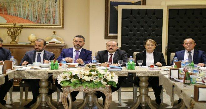 Başkan Doğanay; 'AK Parti'deki birliktelik, Bolu'ya hizmet olarak yansıyacak'
