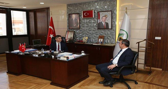 Başkan Özcan, koltuğunu 7'nci sınıf öğrencisine devretti