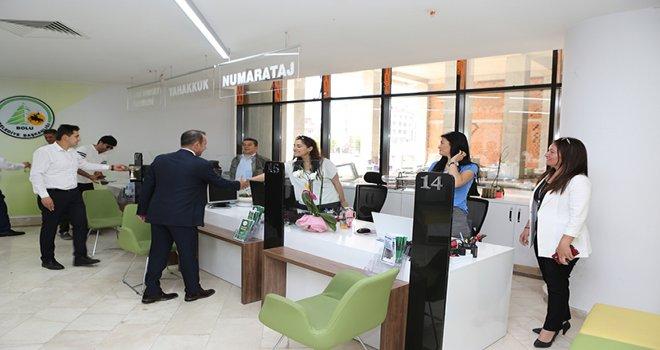 Belediye Başkanı Özcan personelle bayramlaştı