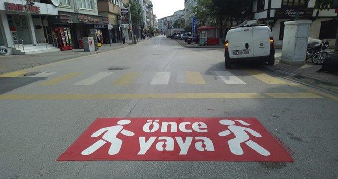 Bolu Belediyesi'nden sürücülere uyarı: 'Önce Yaya'