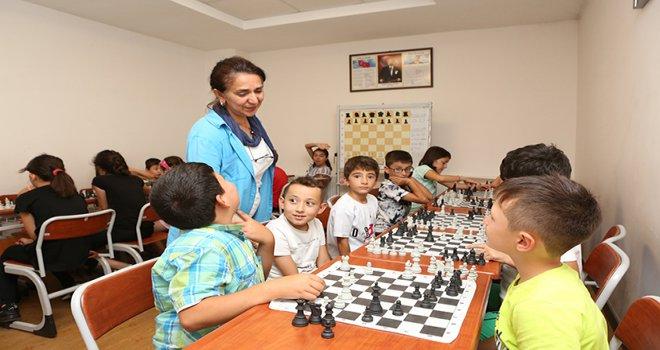 Bolu Belediyesi'nden ücretsiz satranç kursu
