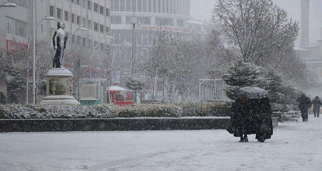 Bolu kent merkezi karla kaplandı.....