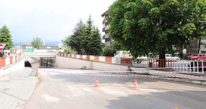 Bolu'da sağanak nedeniyle alt geçitler trafiğe kapatıldı...