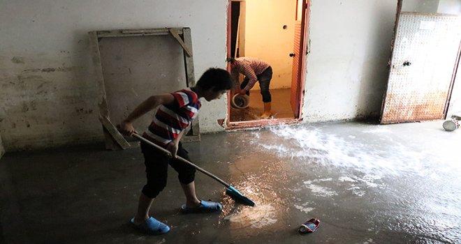 Bolu'da sağanak yağış su baskınlarına neden oldu....