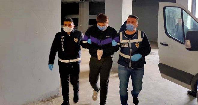Bolu'da Türkiye Cumhuriyetine küfür eden 3 öğrenciden 2'si tutuklandı